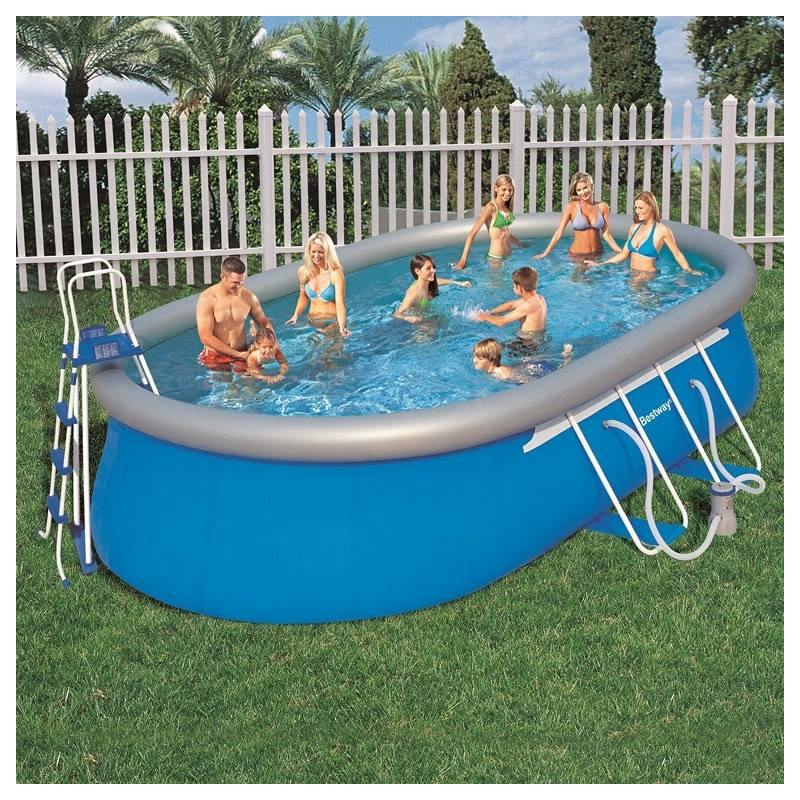 Piscine ovale gonflable maison design for Kit piscine pas cher